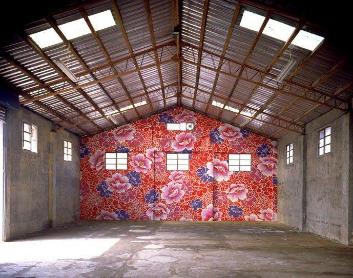 1998年林明弘仍是沒沒無聞的藝術家,為了這件作品,他向父親借錢作為創作費,結果...