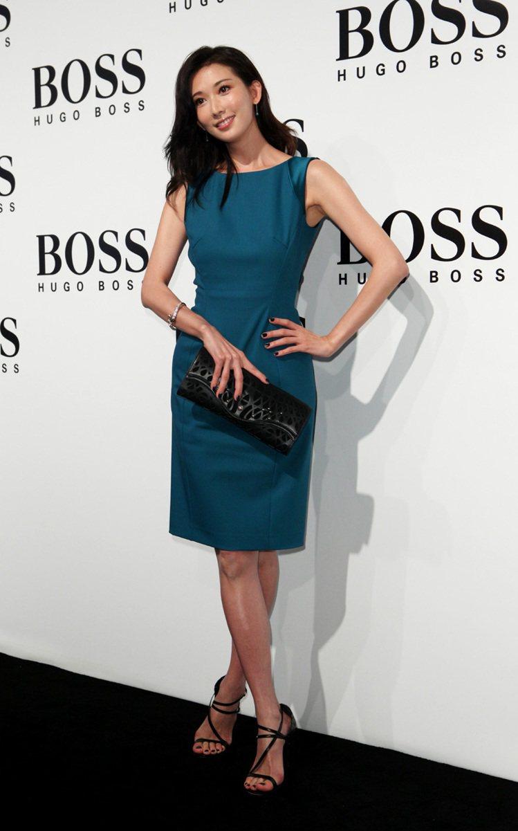 林志玲穿上HUGO BOSS旗下BOSS系列限量洋裝,性感魅力迷倒眾人。圖/HU...