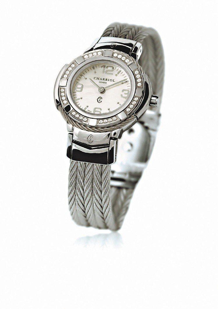 Celtica腕表,魚脊形鋼索表帶,珍珠母貝表盤, 10萬5,600元。圖/夏利...