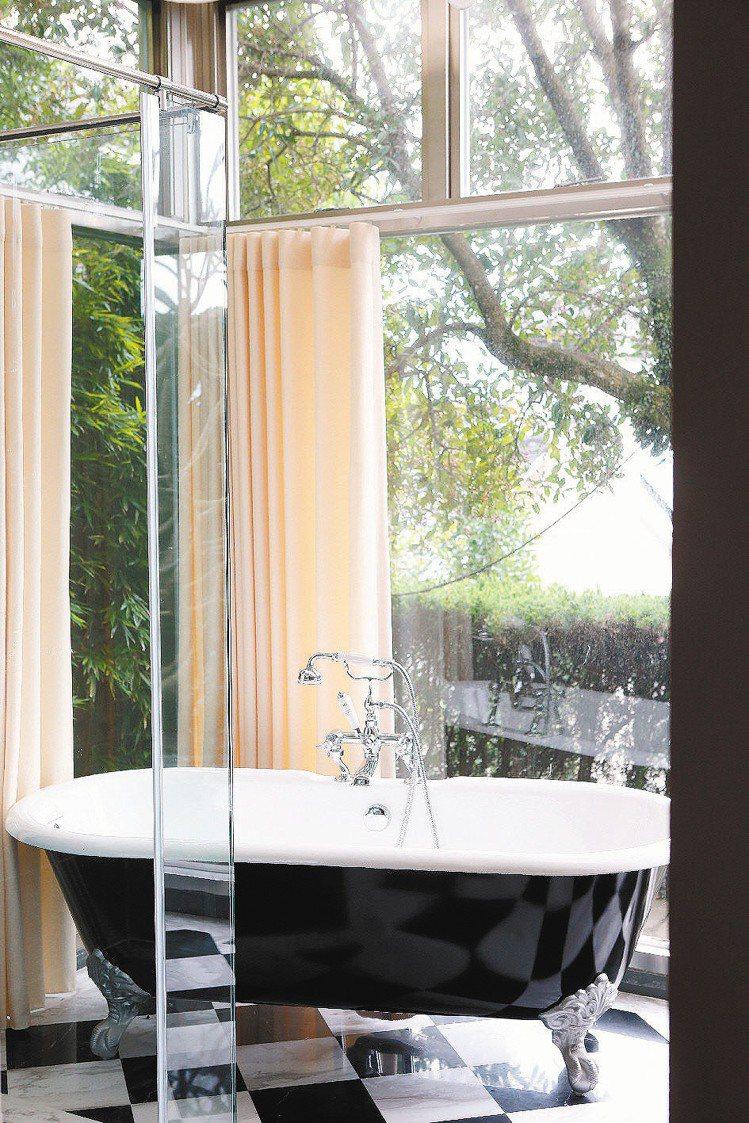 柯家的浴室都擁有比臥室更好的視野。記者陳立凱/攝影