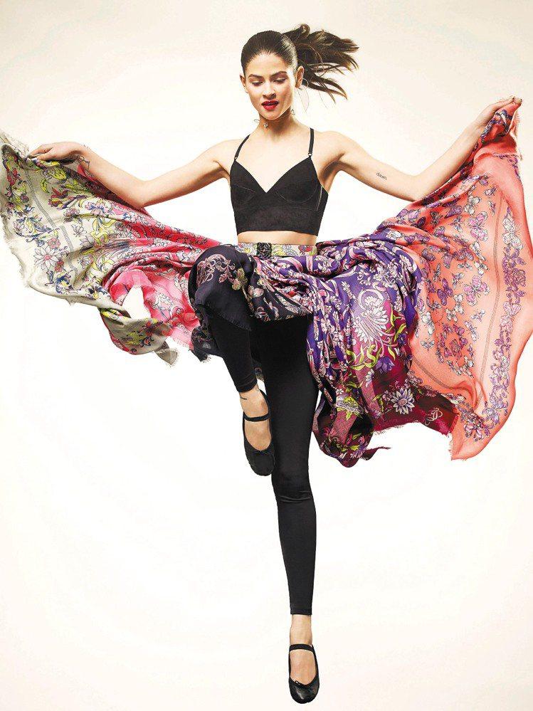 透過西班牙蝴蝶、披肩與巴洛克展現時尚之美。圖/LOEWE提供
