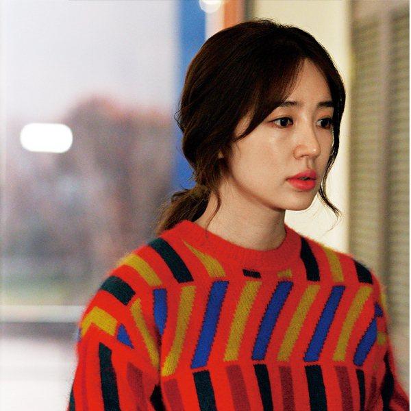 重點1:肌膚飽水的光澤底妝。圖/she.com Taiwan提供