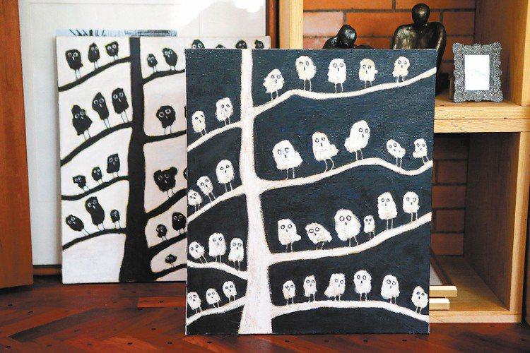 柯耀宗喜歡畫畫,作品帶有童趣。記者陳立凱/攝影