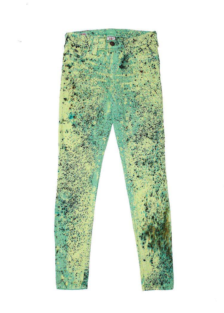 綠色潑墨丹寧褲,售價10,800元。圖/TRUE RELIGION提供