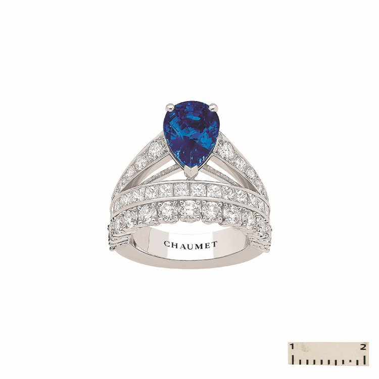 CHAUMET Josephine白K金藍寶石戒指。圖/CHAUMET提供