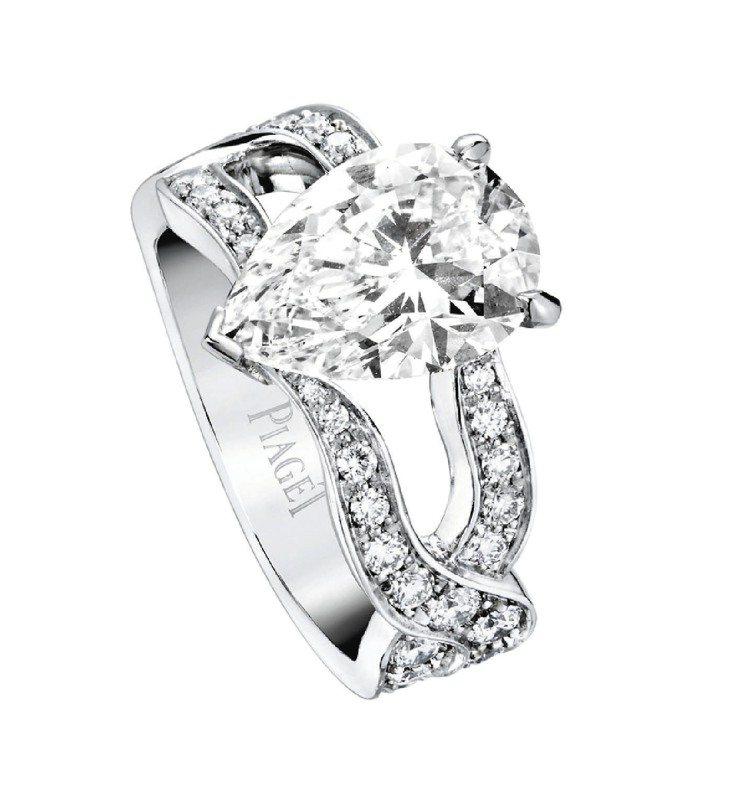 Couture Precieuse璀璨華裳系列18K白金鑽戒,鑲嵌50顆圓鑽,梨...