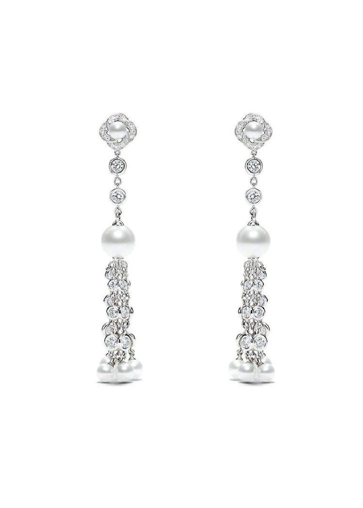 Couture Precieuse璀璨華裳系列18K白金耳環,96萬1,000元...
