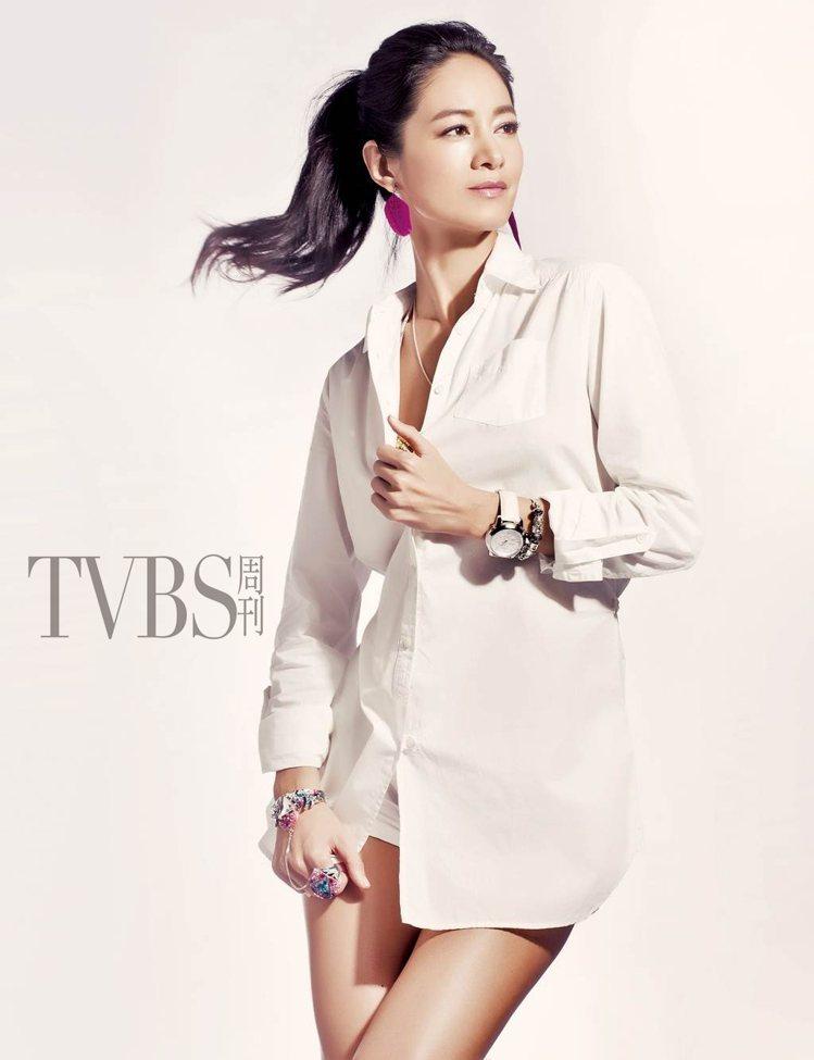 男友風襯衫連身襯衫式TIMBERLAND洋裝是凸顯女人味的最佳利器,單純的白具有...