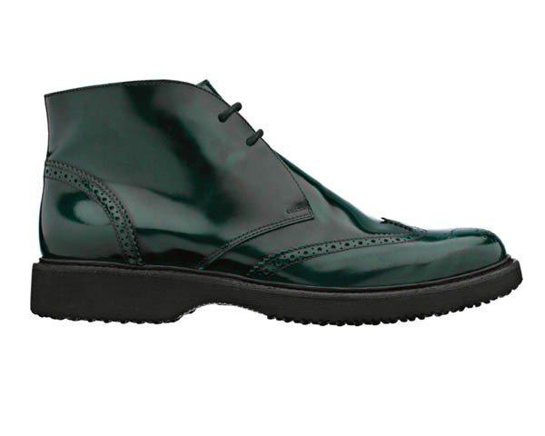 HOGAN墨綠色復古短靴,價格未定。圖/迪生提供