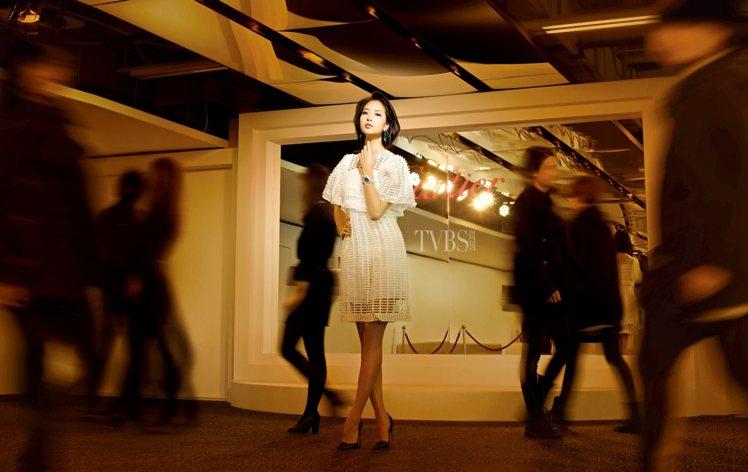 白歆惠擺pose及掌握情緒的功力一流。圖/TVBS周刊