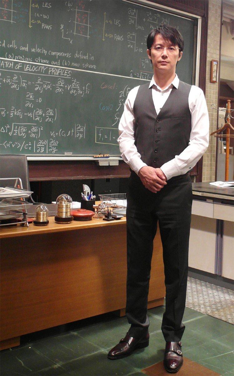 演活了《破案天才伽利略:真夏方程式》中追根究柢的湯川學博士,福山雅治說自己其實跟...
