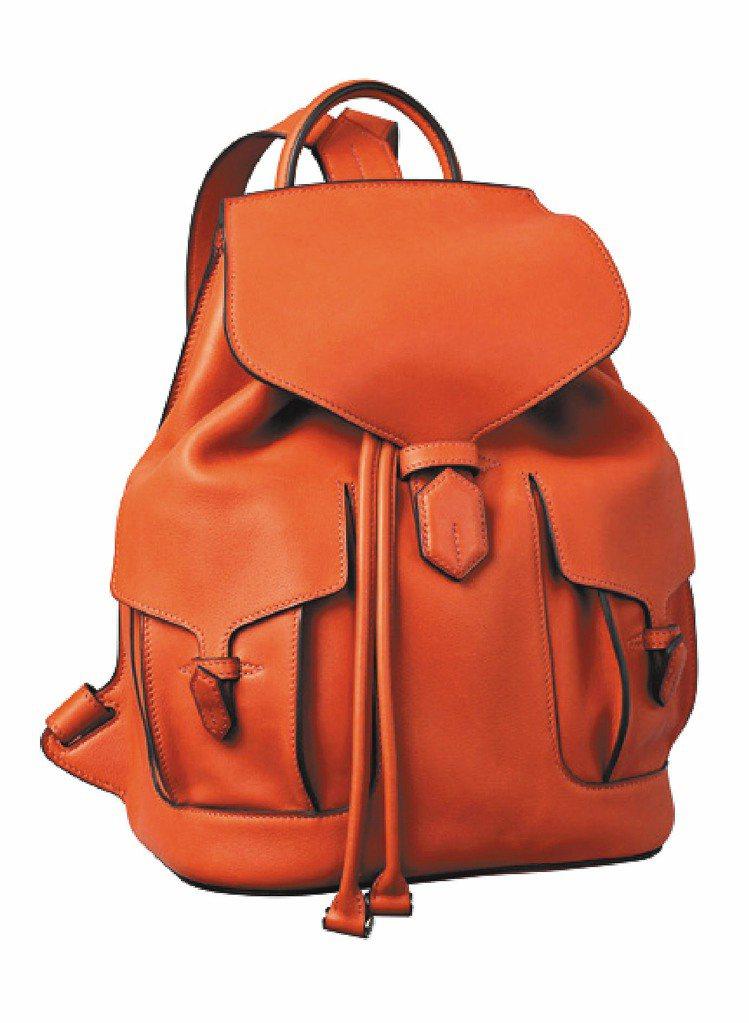 愛馬仕小牛皮後背包,45萬2,300元。圖/HERMES提供