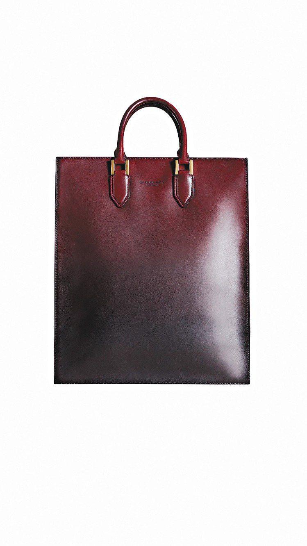BURBERRY的牛皮提包,價格未定。圖/BURBERRY提供