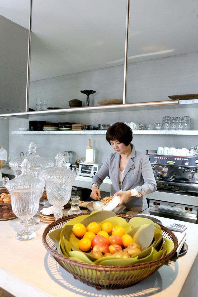 陳季敏喜歡親自下廚,招待朋友。記者陳立凱/攝影