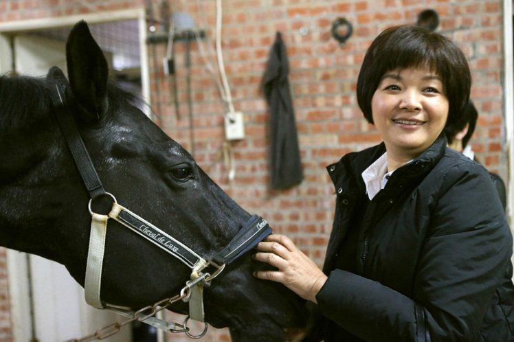 陳季敏與她的愛駒Lilion。記者陳立凱/攝影