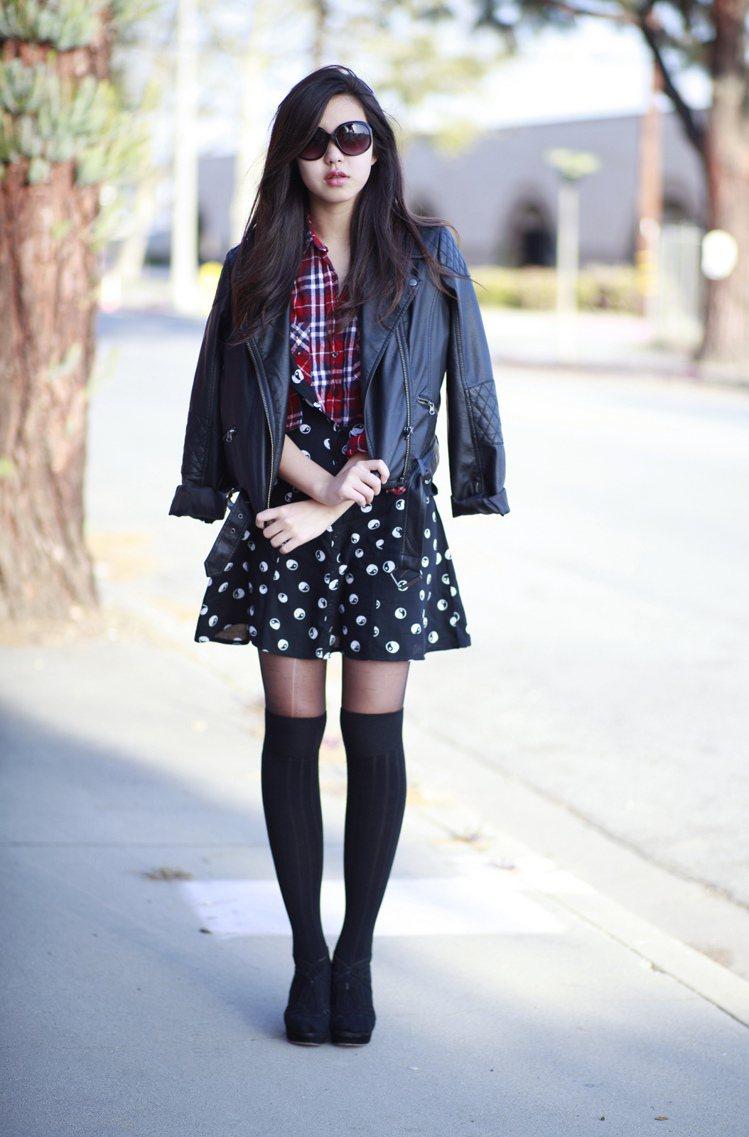 Amelia 雖然年紀輕,但是在妝髮及穿著風格上已很能掌握自己的風格,她的穿搭造...