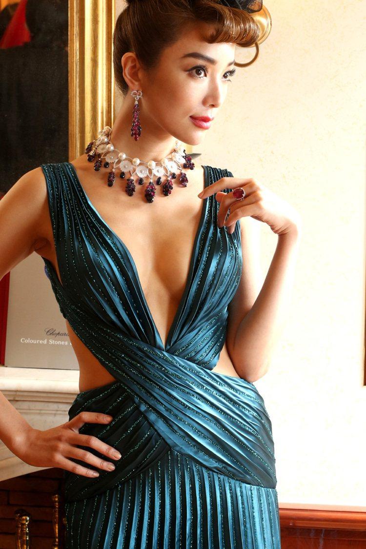 蕭邦發表2013蕭邦頂級珠寶暨腕表,邀請藝人蔡淑臻展演頂級珠寶。記者陳立凱/攝影
