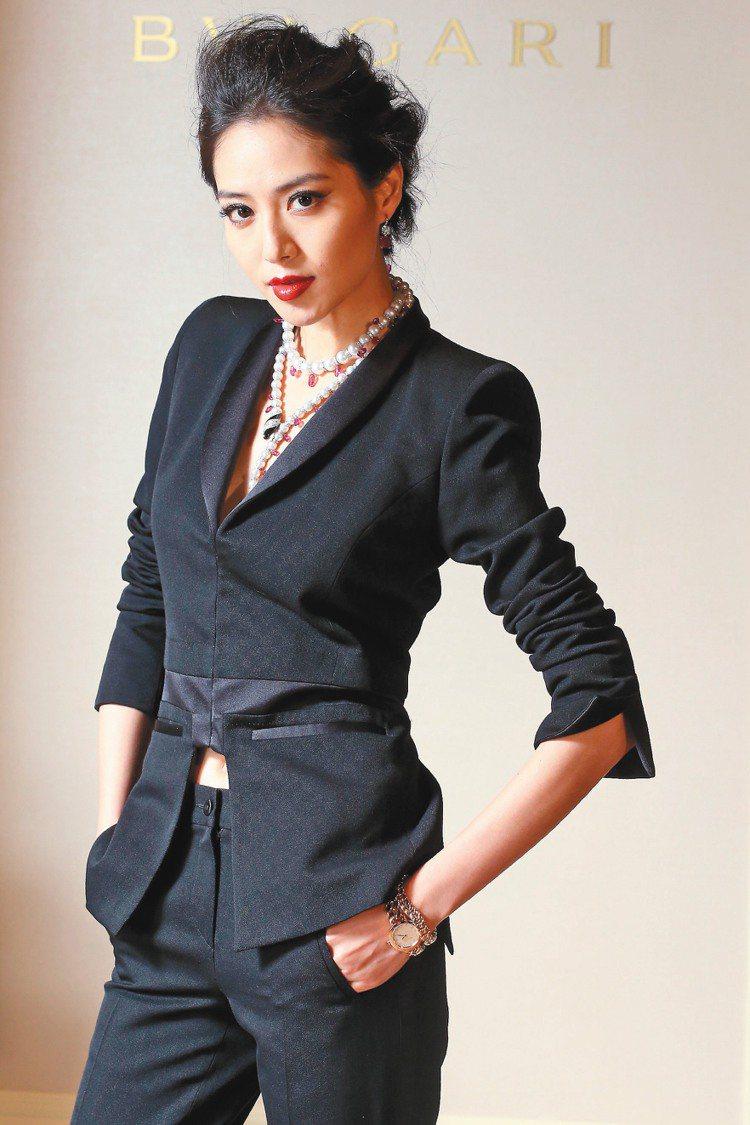 白歆惠以率性褲裝反襯出寶格麗DIVA系列珠寶的女人味。記者陳立凱/攝影