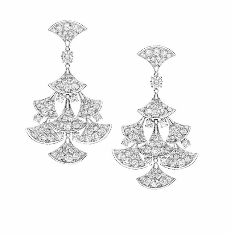 DIVA白K金密鑲鑽石耳環,138萬2,000元。圖/BVLGARI提供非報系