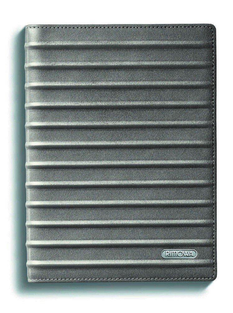 RIMOWA護照套,3,480元。圖/RIMOWA提供