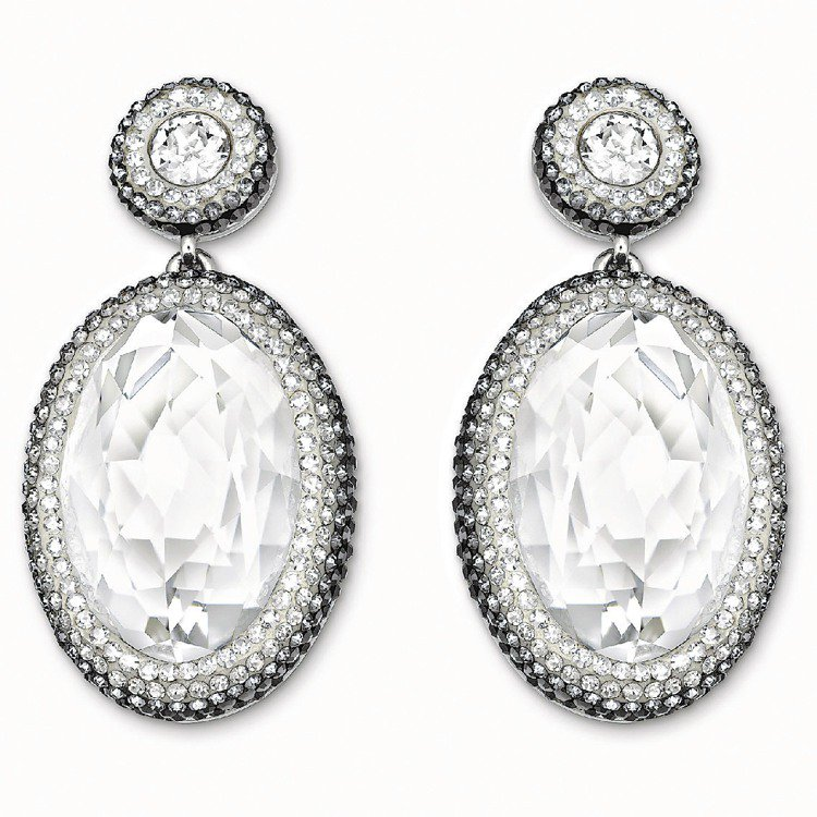 Vita Crystal穿孔耳環,4,900元。圖/SWAROVSKI提供