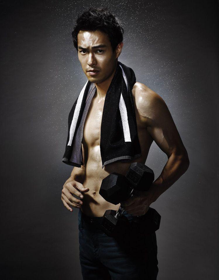 回頭看看過去10年成名、低潮和迷失的路,楊祐寧總是心懷感激。圖/GQ提供