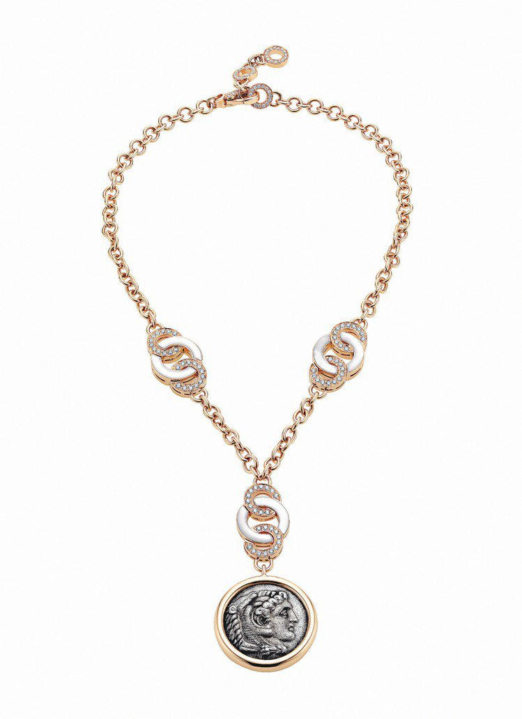 Monete玫瑰金古幣鑲鑽單墜項鍊,121萬3,000元。圖/BVLGARI提供...