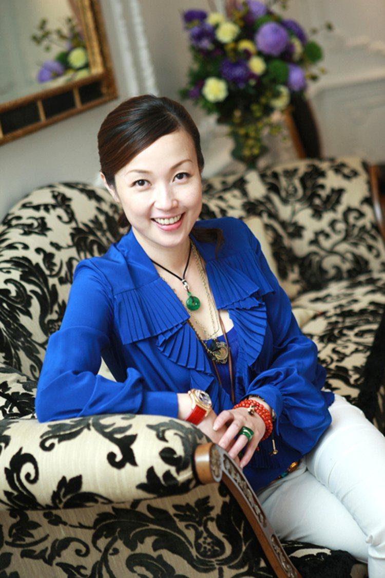 自創「翡歐力」高級訂製珠寶品牌的邱雅菁,其作品因為有著極濃厚且深層的東方人文精神...
