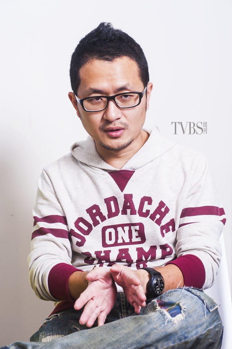 《媽,親一下》原著故事由九把刀(知名作家、導演、編劇)撰寫。圖/TVBS周刊