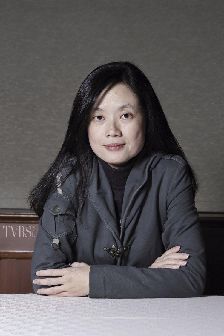 《媽,親一下》導演由「金鐘獎編劇、導演」鄭芬芬擔任。圖/TVBS周刊