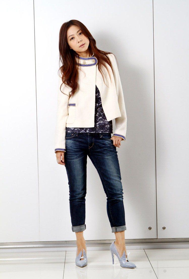 陳綺貞平日最愛穿牛仔褲,隨興搭配香奈兒毛呢外套,也很速配。記者蘇健忠/攝影