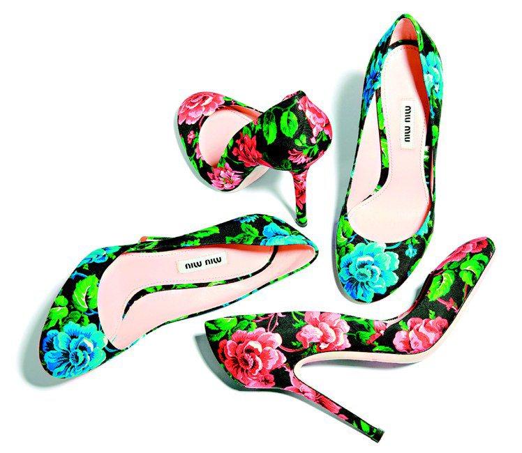 MIU MIU印花高跟鞋,24,500元。圖/MIU MIU提供