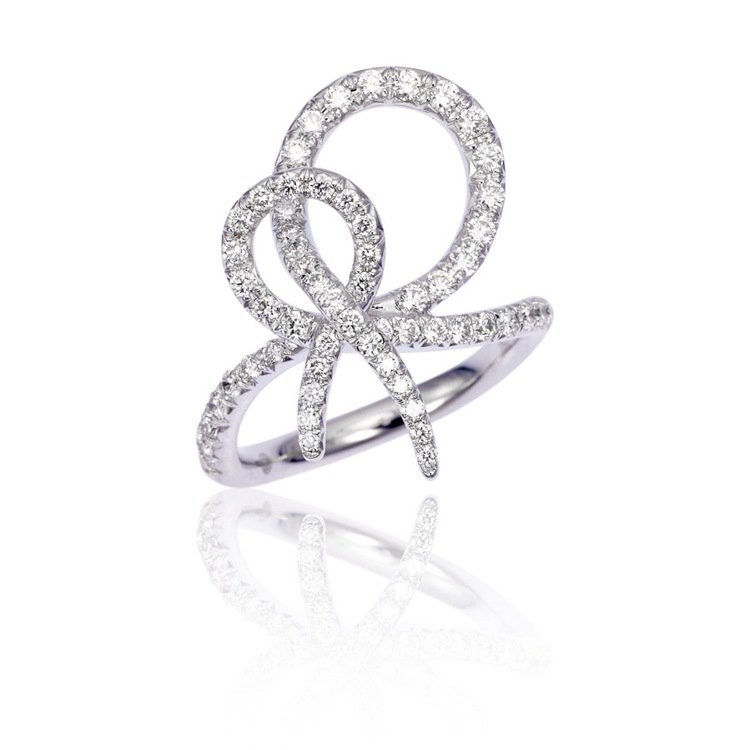 愛情結戒指 Love Knot Ring in white Diamond。圖/...