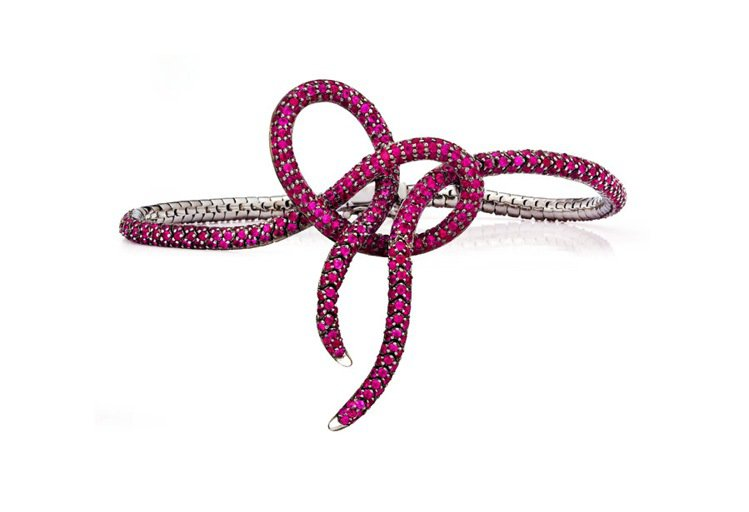 愛情結手鍊Love Knot Bracelet(Ruby)。圖/Anna Hu提...
