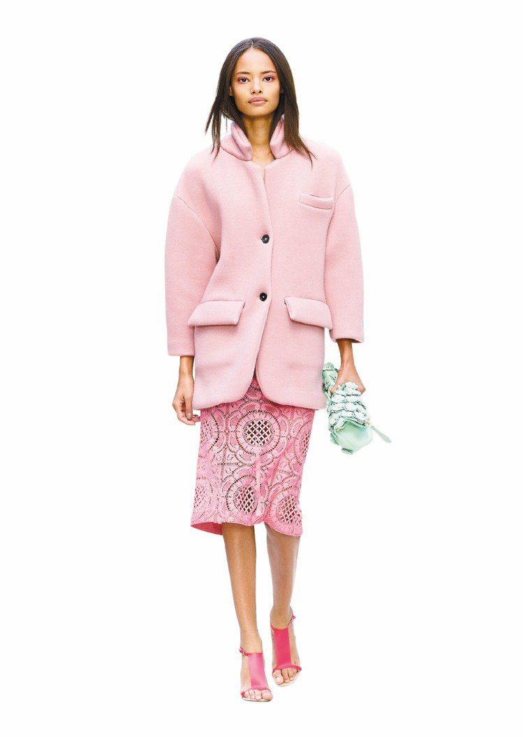 Burberry Prorsum 2014春夏粉紅大衣和裙子,千頌伊穿成套去逛超...