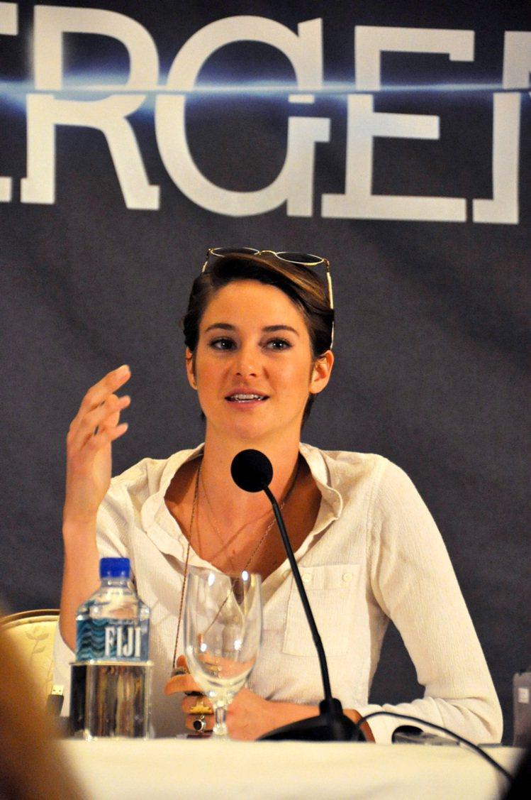 《分歧者 Divergent》女主角雪琳伍德莉最近也剪去長髮。記者馬雲/攝影