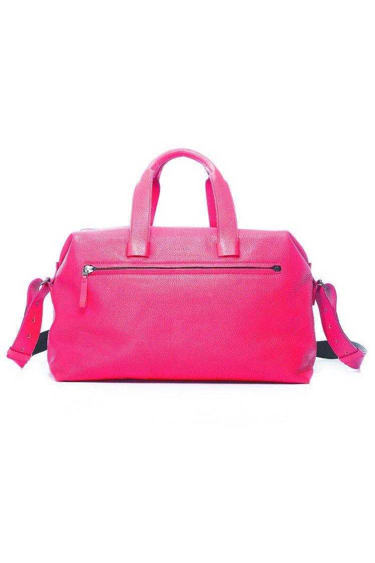 LANVIN紅色男用手提袋,70,800元。圖/LANVIN提供非報系
