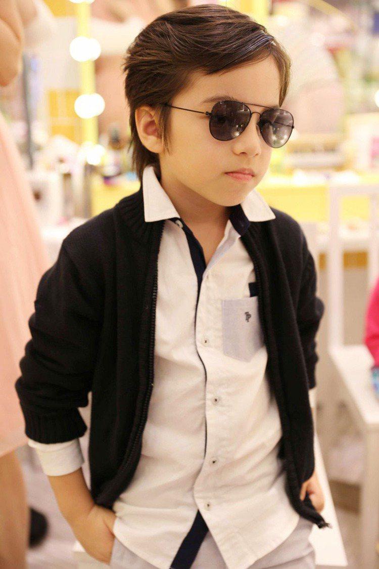 Titi被打扮成全球最會穿搭時尚小男孩 Alonso Mateo。圖/TWINK...