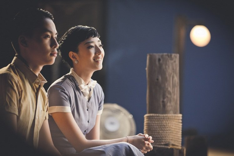 2014金馬影展形象大使桂綸鎂配戴伯爵珠寶,清麗入鏡。圖/伯爵提供