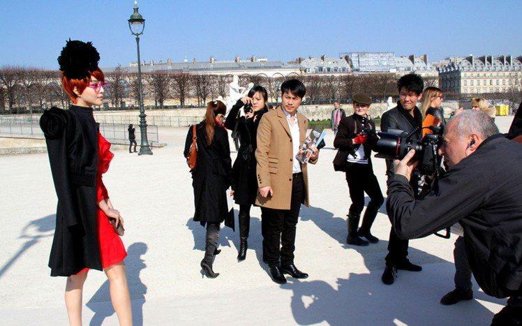 穿上 VALENTINO,范冰冰變身 chic 俏皮女孩。圖/達志影像