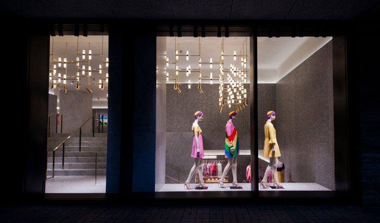 VALENTINO 香港廣東道旗艦店設計沿用創作總監 Maria Grazia ...