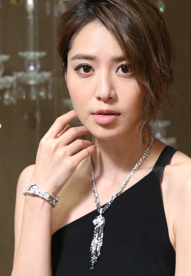 白歆惠表示,卡地亞的美洲豹珠寶系列總是能帶給她驚喜。美洲豹鉑金鑽石流蘇項鍊1,4...