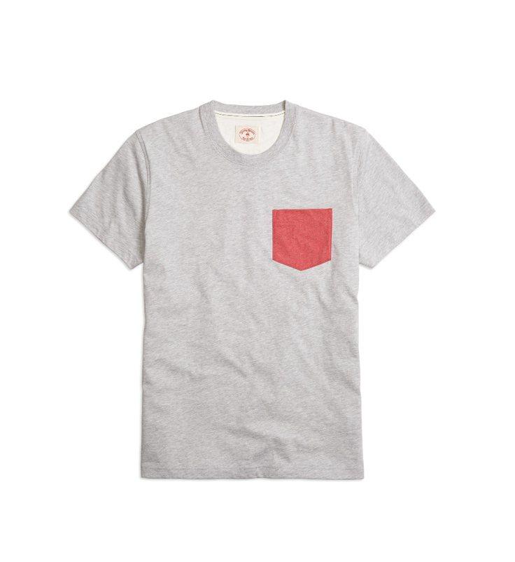 Brooks Brothers 紅色口袋 T恤、1,980元。圖/Brooks ...