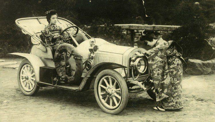 建廠之初所生產車行銷全球,連日本皇室也下訂。圖為1908年L&K生產賣到日本的G...