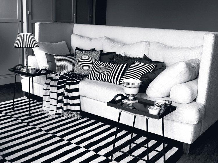 ZARA HOME今年正巧適逢品牌10周年,拓點計畫更為積極。圖為國外賣場的沙發...