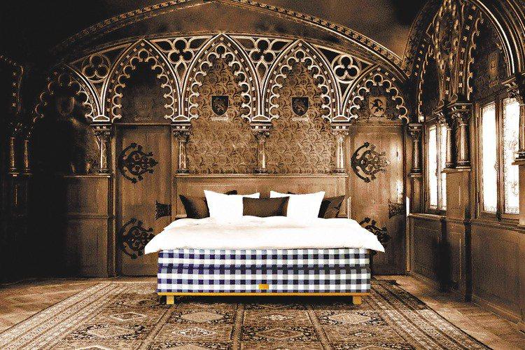 瑞典皇室御用床具品牌Hastens旗下要價400萬的頂級床墊Vividus。圖/...