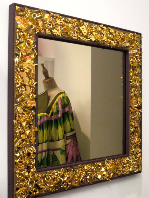 愛馬仕 Petit h皮革與金屬釦環方鏡。記者吳曉涵/攝影