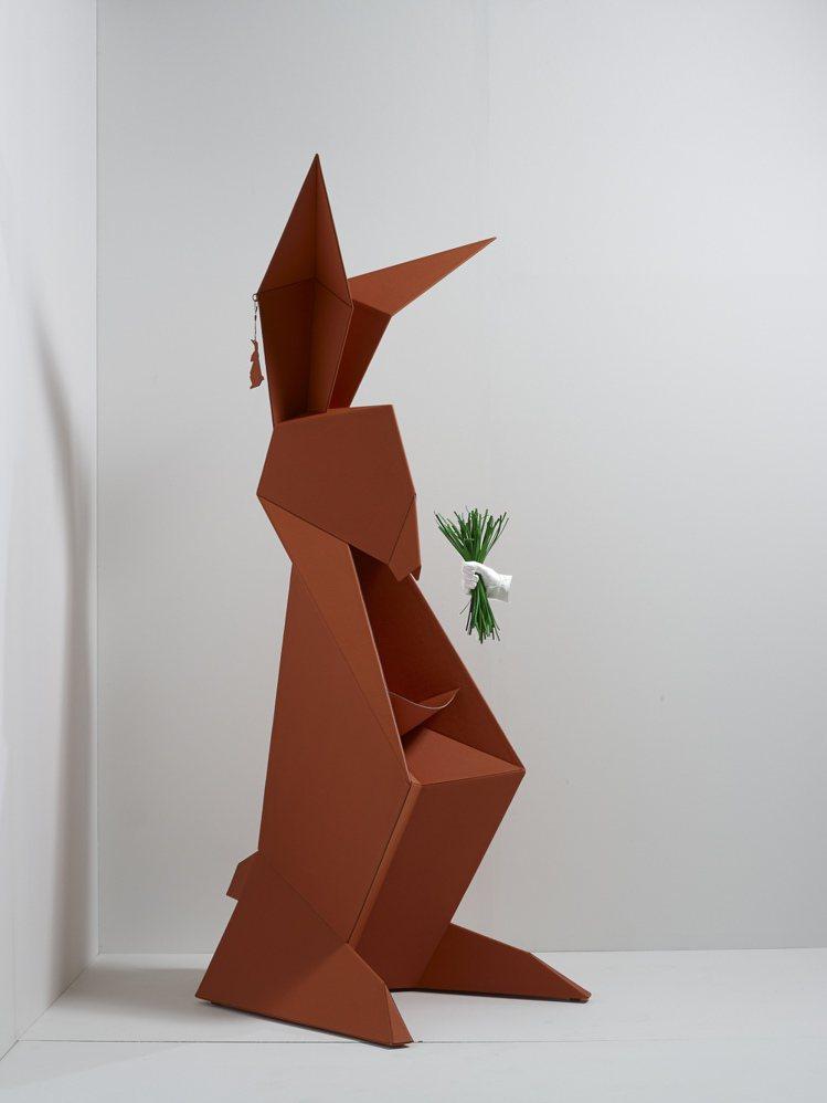 皮革摺紙藝術兔子造型雕塑,3,730,000元。圖/愛馬仕提供