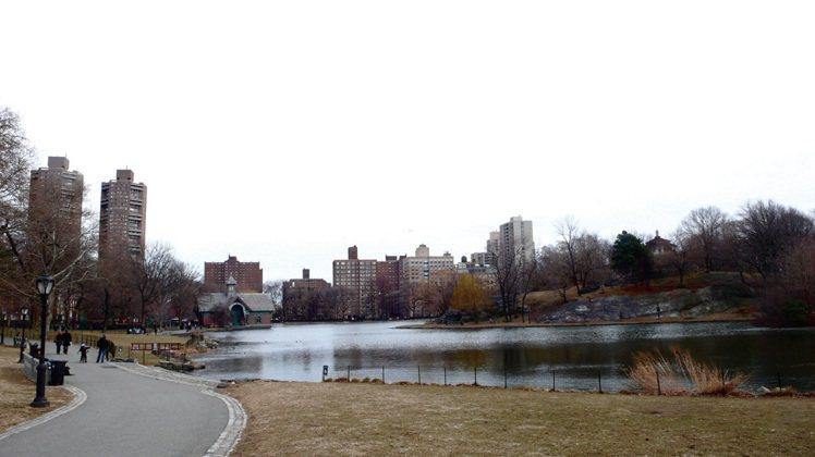 太陽下山後,別去公園玩。(當然包括中央公園)。圖/三采文化