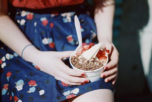 愛喝優酪乳的女生要小心!優酪乳、優格冰熱量比牛奶高一些,所以盡量選擇無糖低脂的優...